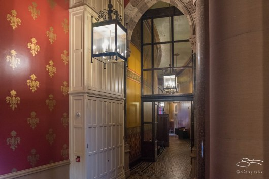 Corridor, St Pancras Renaissance Hotel 1/5/2016