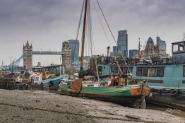 Barges at River Neckinger, Thames 1/1/2016