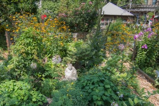 20140809 East 9th Street Community Garden 03