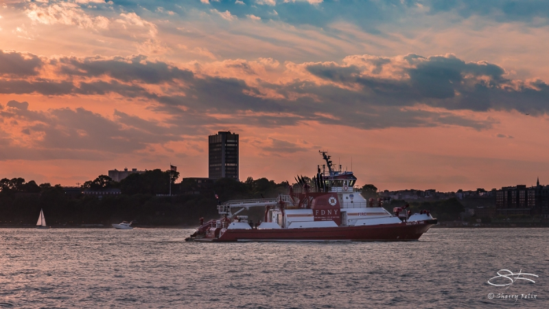 Fire boat, Hudson 6/18/2016